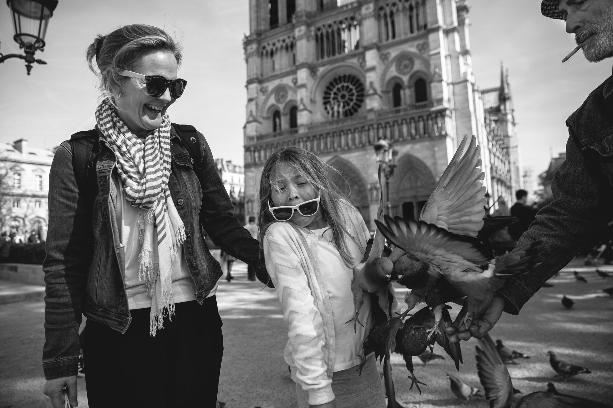 Jay_Farnworth_Man_with_Pigeons_in_Paris